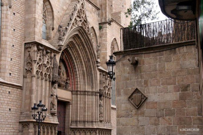 La basílica está sobre el espacio de la antigua iglesia de Santa Maria de las Arenas