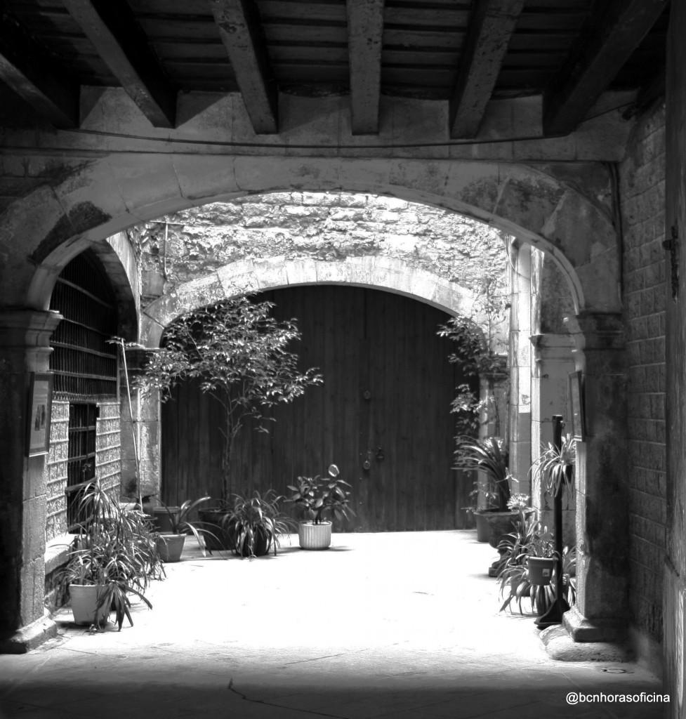 Patio interior del palau Vilana Perlas