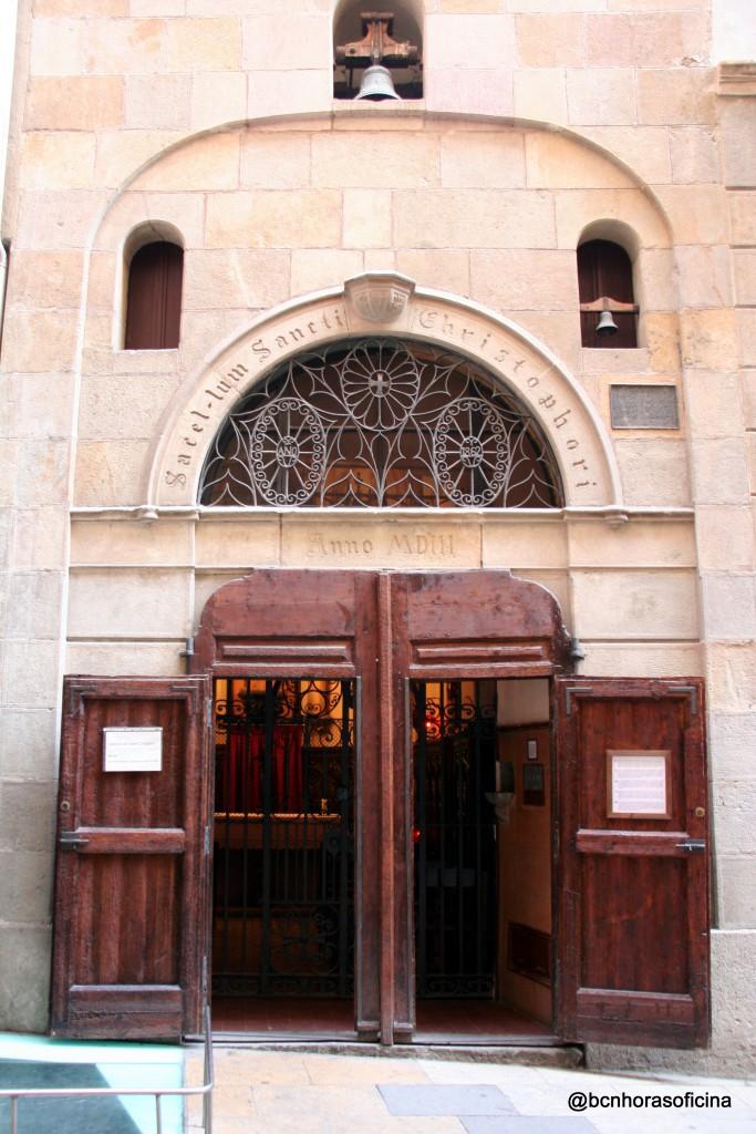 Acceso a la capilla de San Cristóbal
