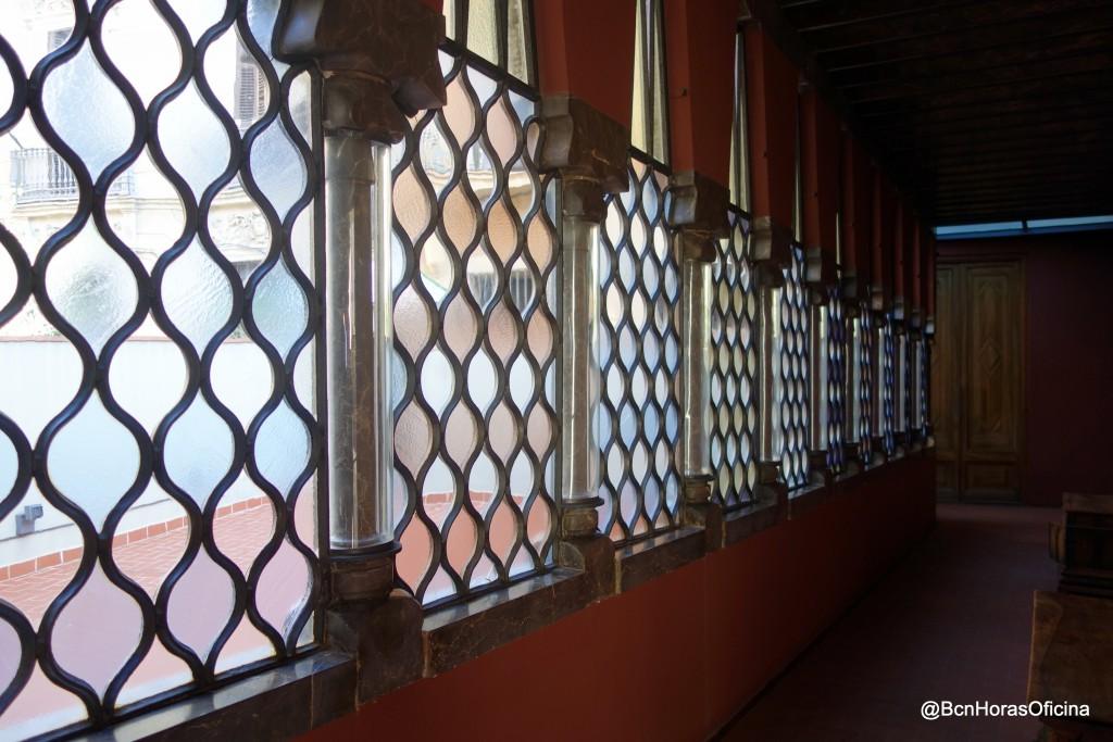 Corredor del Palau Güell que une la construcción de Antoni Gaudi con la antigua casa familiar