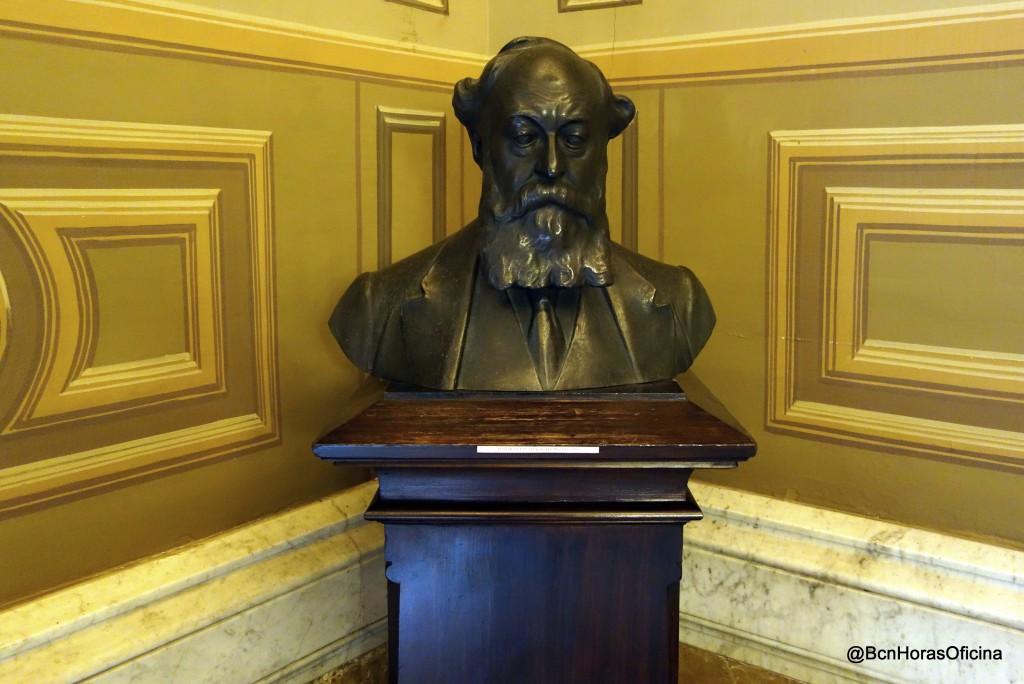 Busto de Eusebi Güell i Bacigalupi en el Palau Moja
