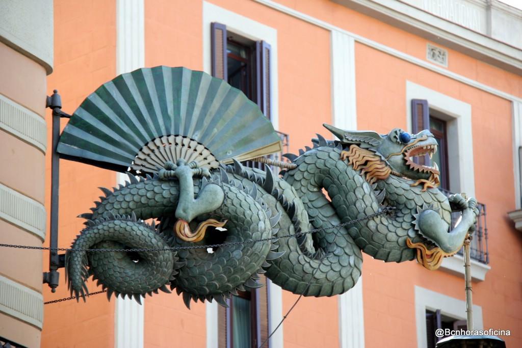 El dragón de la Casa dels Paraigües