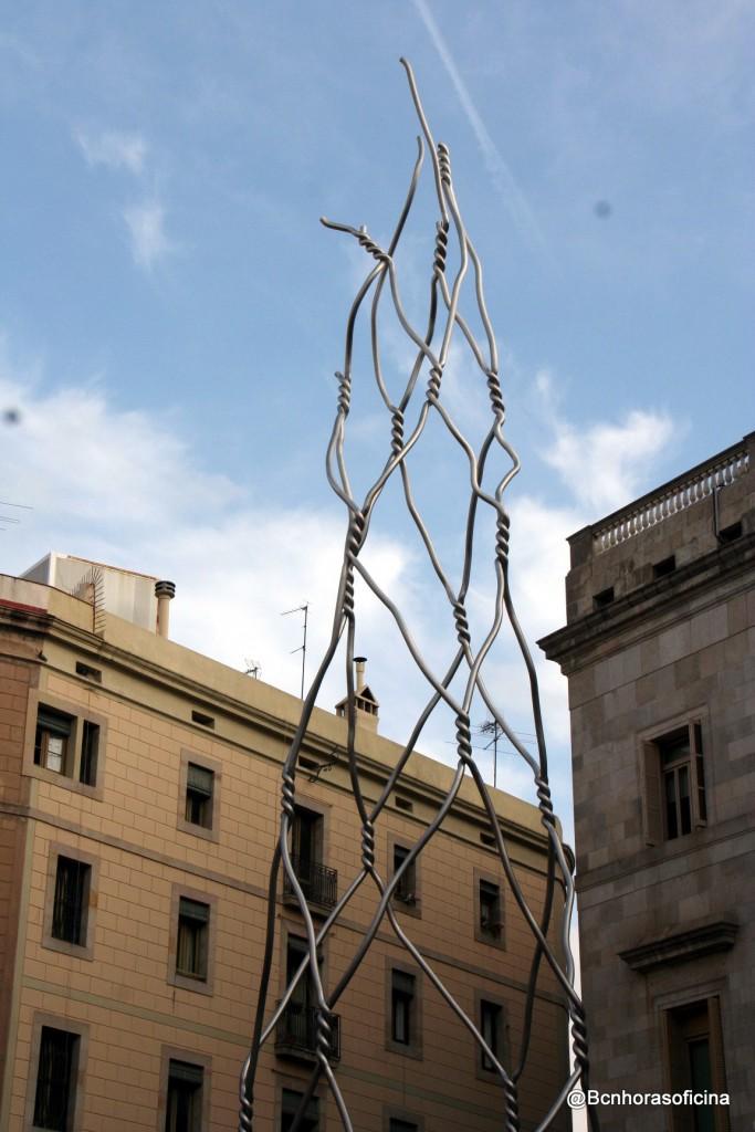 """Monumento a """"els castellers"""" de Antoni Llena i Font"""