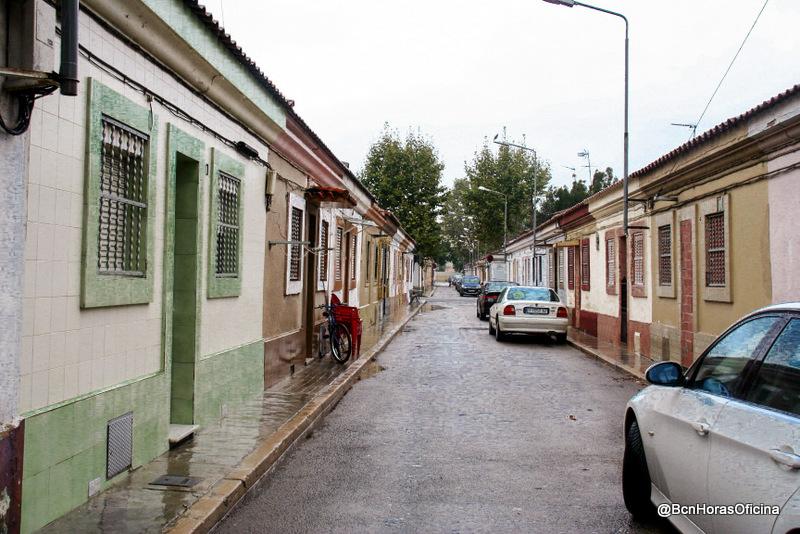 La fuente de canaletas del barrio del bon pastor for Casas baratas en barcelona