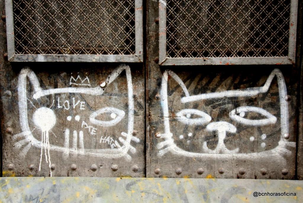 Gatos callejeros como el propio arte urbano