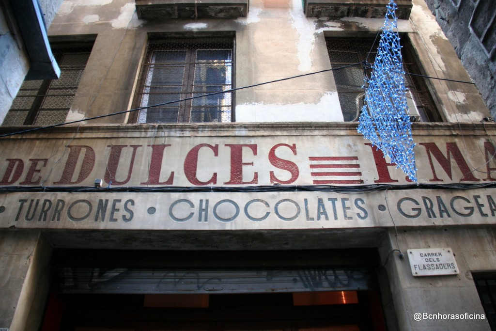 Antigua fábrica de dulces P. Mauri en la calle Flassaders