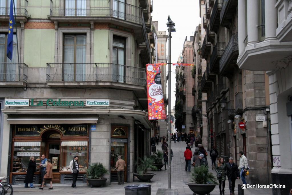 Estáis en el Cardo Maximus, uno de los ejes viarios más importantes de Barcino