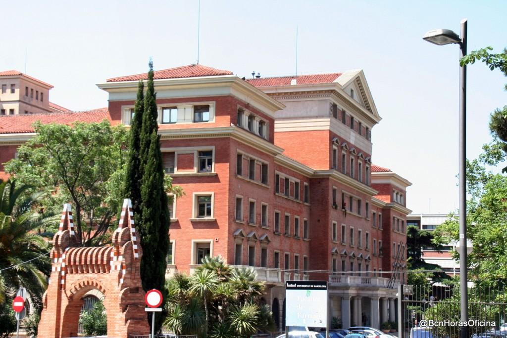 Edificio de la facultad de Farmacía de la UB en la actualidad