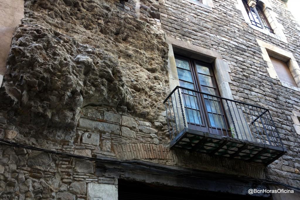 Restos de la antigua puerta de acceso al Call medieval