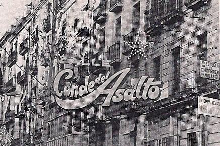 Antiguo cartel que anunciaba el inicio de la calle Conde del Asalto