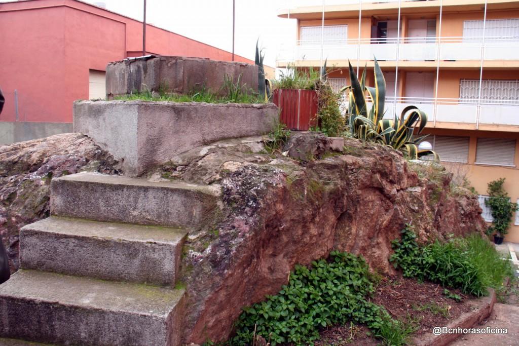 Restos de las barracas en la plaza de Raimon Casellas