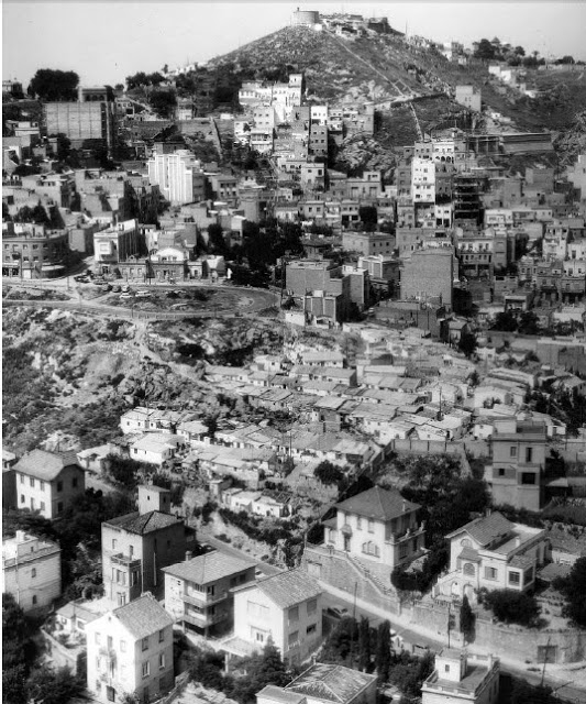 Vista aérea del barrio en los años 70. [Foto: Arxiu Patronat Municipal de l'Habitatge de Barcelona]