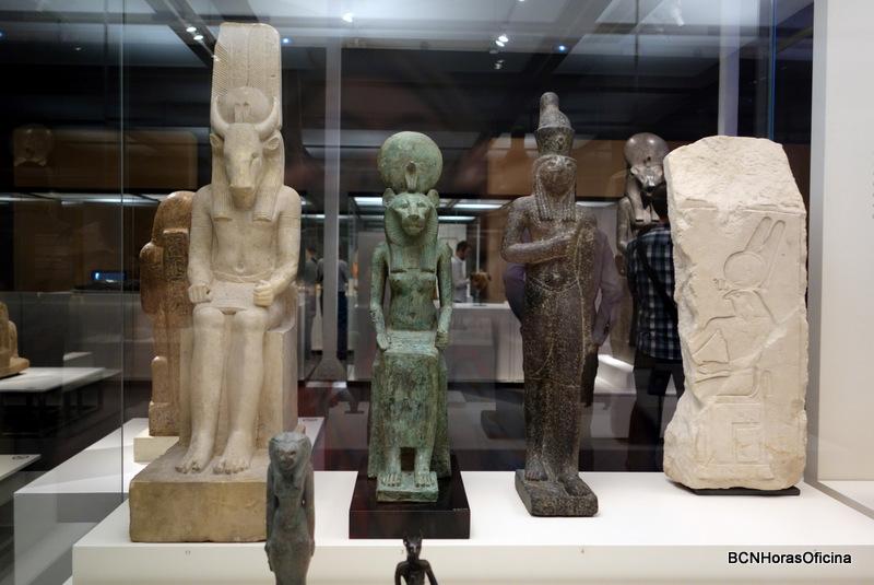 Dioses egipcios representados con sus atributos animales