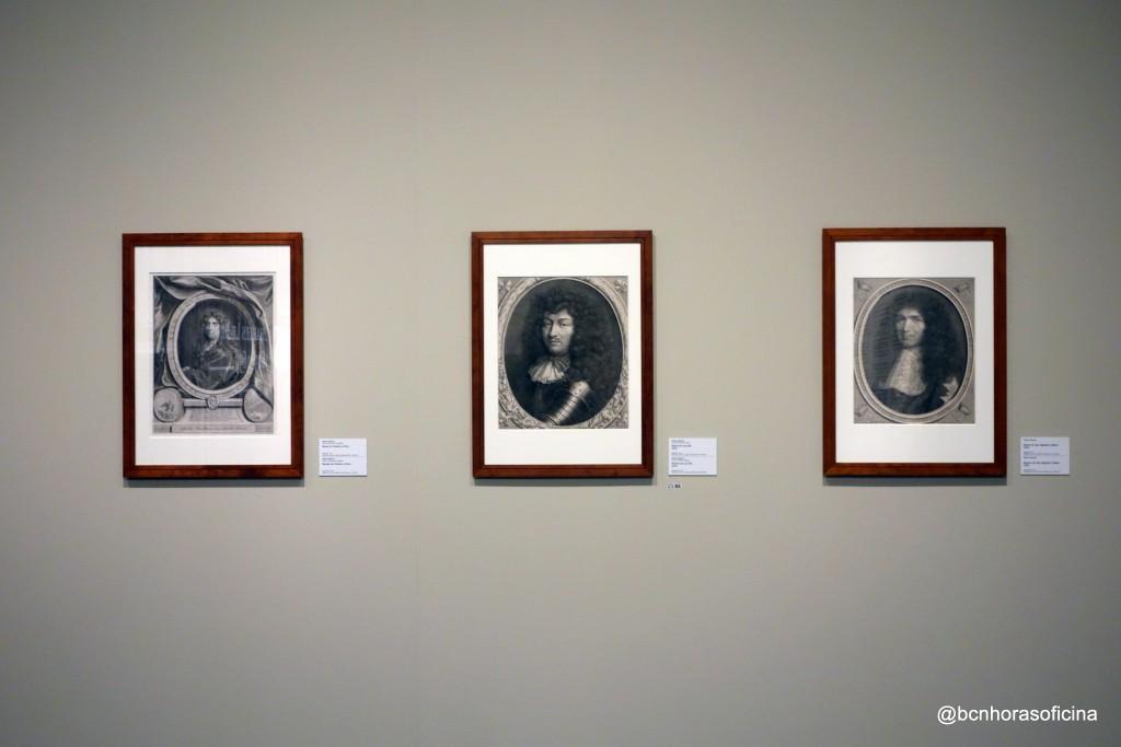 De izquierda a derecha: Charles le Brun, Luis XIV y Jean-Baptiste Colbert