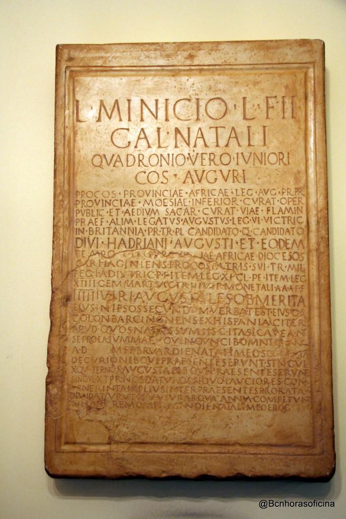 Reproducción de la placa honorífica dedicada a Lucius Minicius Natalis