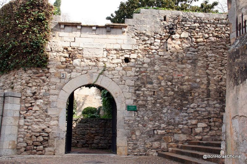 Acceso a la muralla